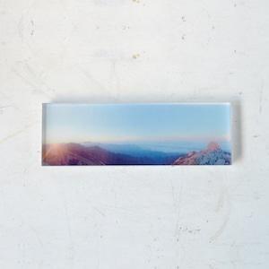 【mt.souvenir】山の透けるアクリルパネル/金峰山のモルゲンロート(15×10cmミニパノラマ)