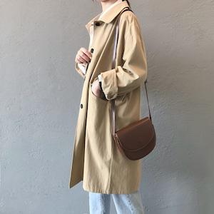 ママでも着やすいデニムとの相性バッチリな普段使いしやすい秋コート