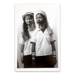 ポストカード タイ人のモノクロのポートレイト 「Long Neck Karen Student Maehongsorn 2005」