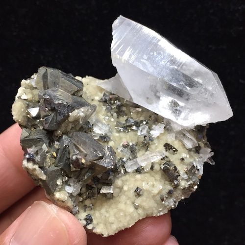 9) 共生鉱物