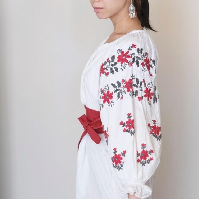 ウクライナ刺繍ドレス(ヴィンテージ)