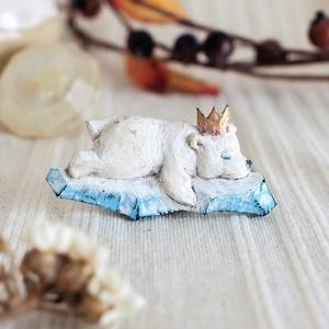ブローチ ホッキョクグマ  (Pin resin brooch Polar bear)