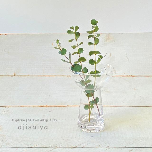 テーブルブーケも素敵に飾れる ブーケグラス
