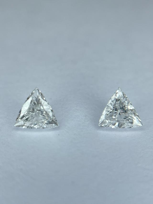 良好な透明感 ダイヤモンド2ピース 計0.189ct