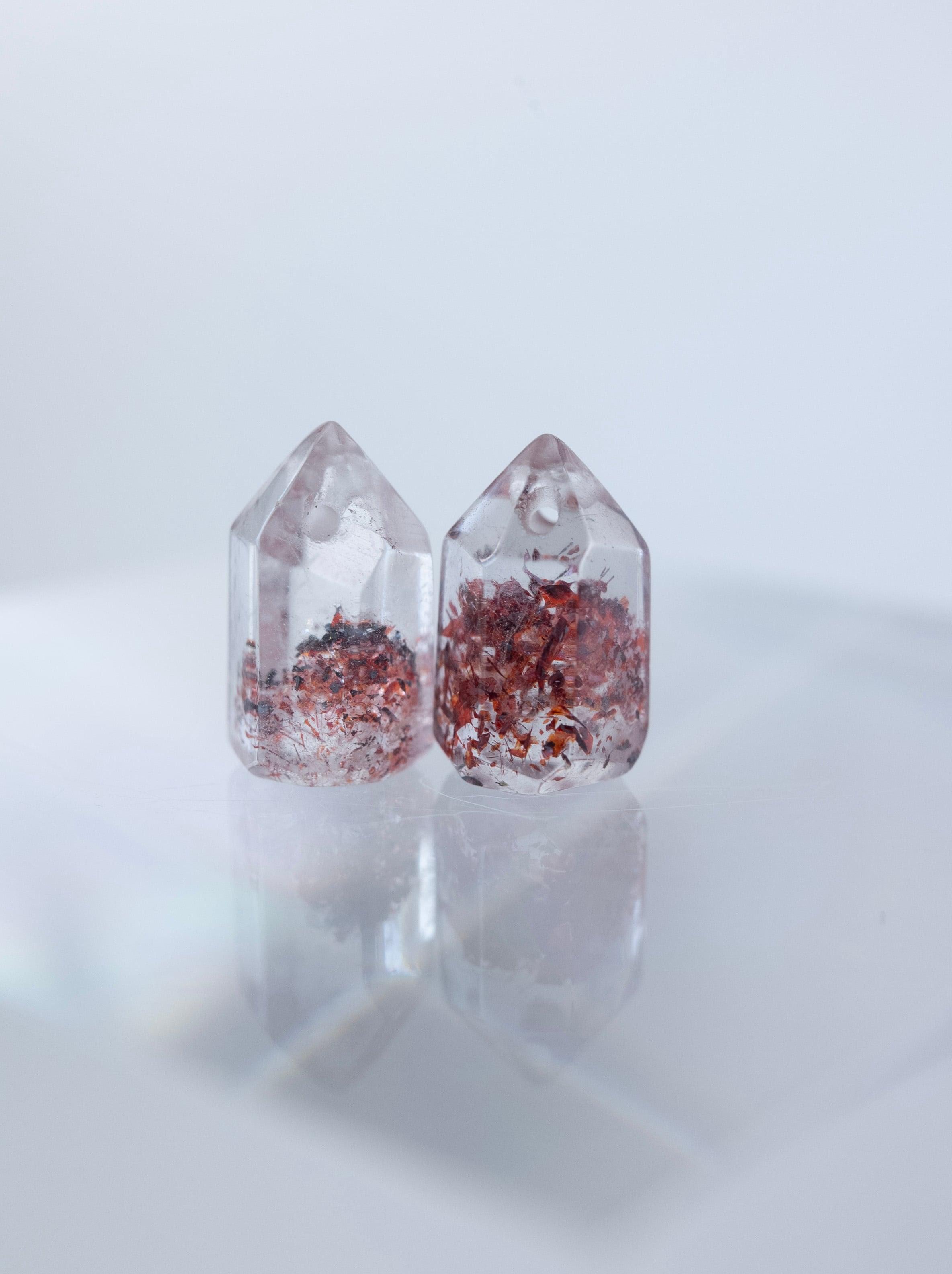 Lepidocrocite in Quartz / Pair - 003