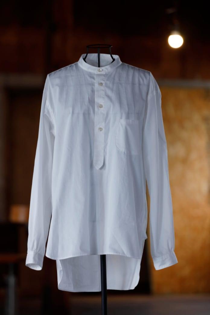 KAZUHIKO TAKAKURA プルオーバーシャツ / WHITE