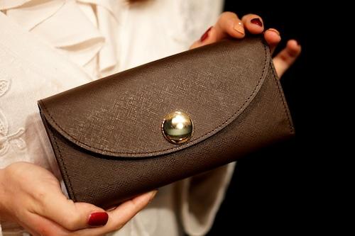 新発想!カードが整理しやすい長財布(牛革製)/プリズムレザー・チョコ