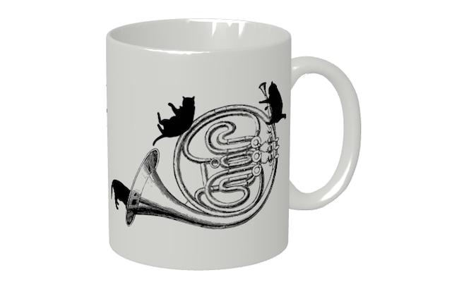 ホルンと黒猫のマグカップ