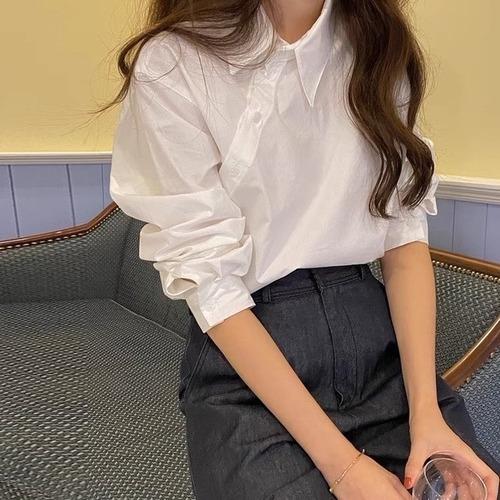 パフスリーブボタンデザインホワイトシャツ U6433