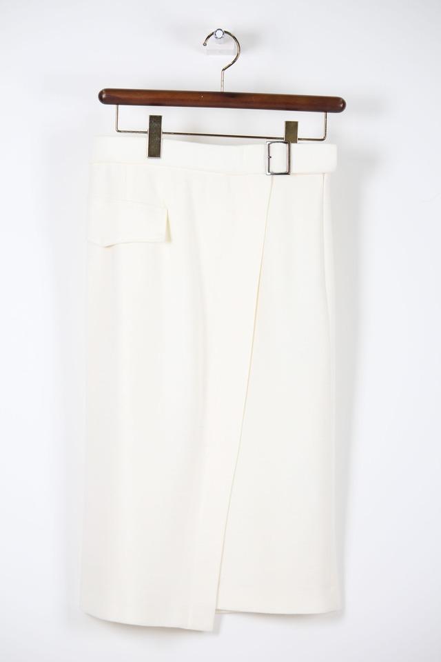 オフホワイトのベルト付きタイトスカートSKC21