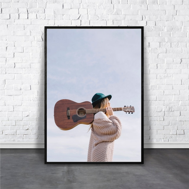 Girl with guitar / 【アートポスター専門店 Aroma of Paris】[AP-000300]