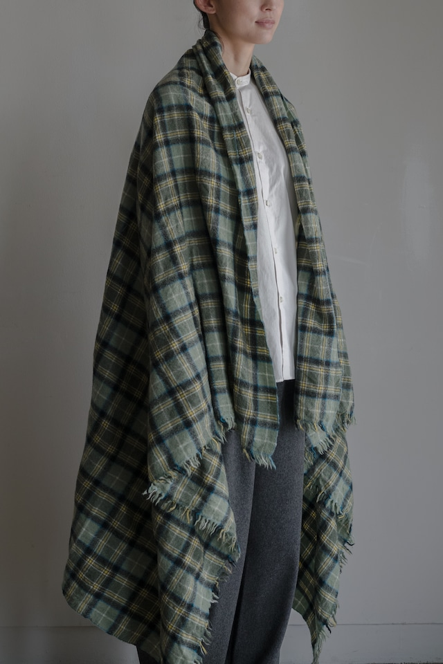 01651-1 check stole / opal green