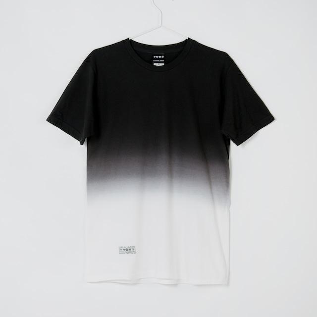 黒紋付染めTshirt 「黒暈 -くろぼかし(Black gradient)」1