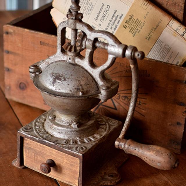 フランス PEUGEOT 鉄製コーヒーミル グラインダー
