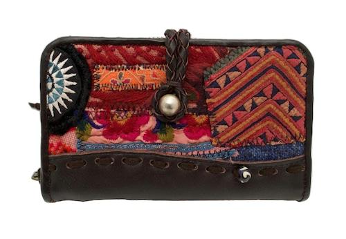 民族刺繍生地のパッチワークと牛革のたっぷり入る二つ折り財布