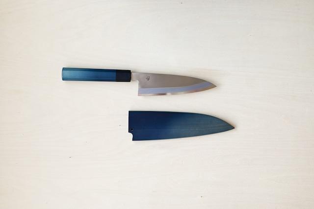 用と美を兼ね備えた1柄|藍包丁「舟行」鞘付き