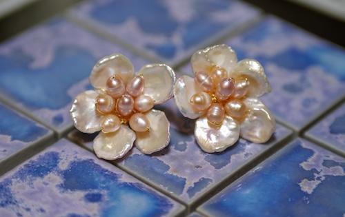 pearl PIERCE of flower motif