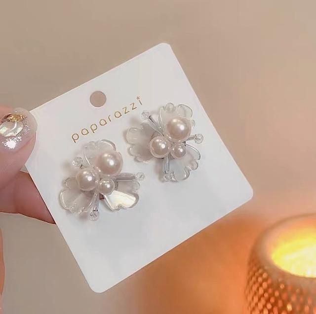 pearl clear flower pierce