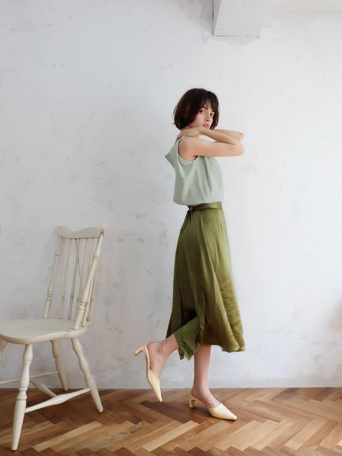 random slit satin skirt(sage green)