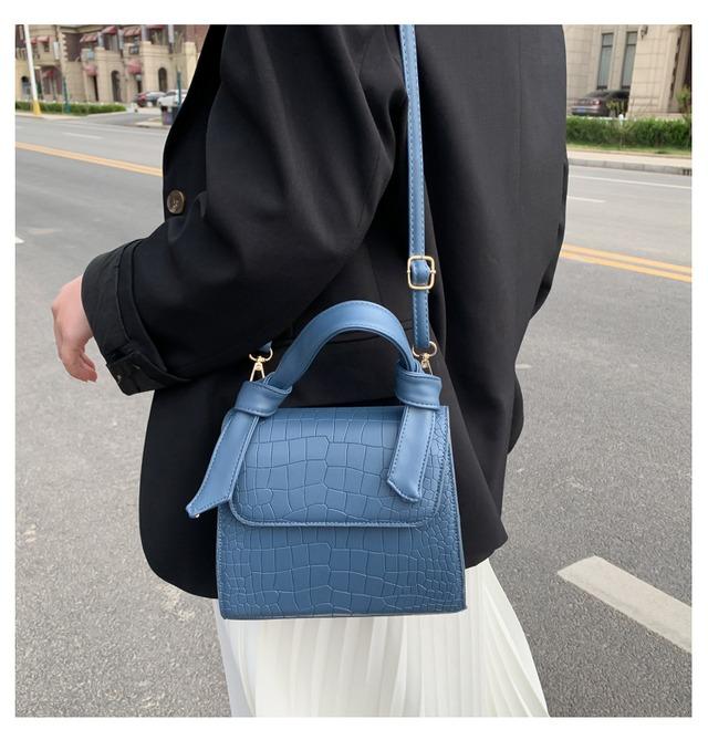 【ミニ ショルダーバッグ★ハンドバッグ トートバッグ】 ビニール シンプル おしゃれ 軽量 カジュアル 通勤バッグ 小さい  ホワイト イエロー ブルー ブラック bag women ギフト ハンドバッグ かばん