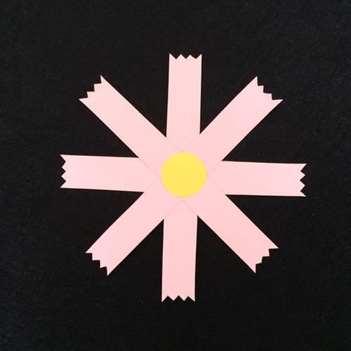 コスモス(桃色)の壁面装飾