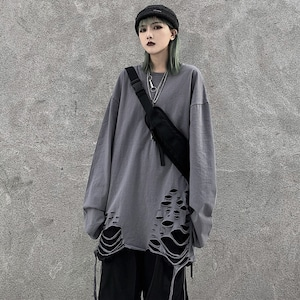 【トップス】ダメージ加工長袖シンプルラウンドネックファッションTシャツ42897158