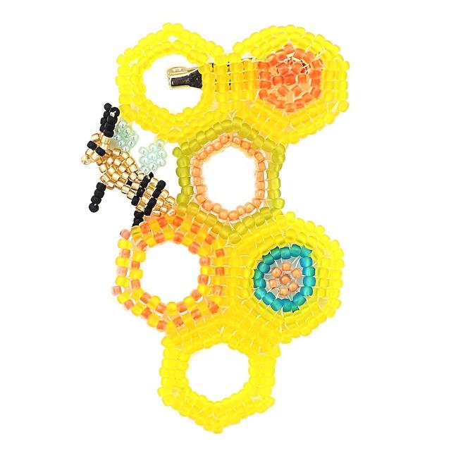 ハチのブローチ/ YELLOW【ひびのこづえ】 ビーズアクセサリー