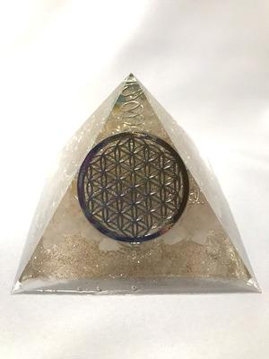 ピラミッド型オルゴナイト【ローズクォーツ&天然水晶】