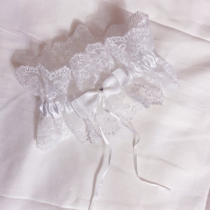 Maiden lace garter ring