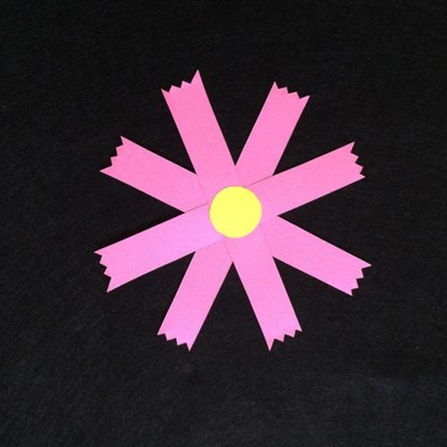コスモス(ピンク)の壁面装飾