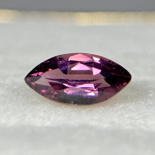 スピネル 0.470ct ピンク 簡易ソーティング付き r-0380