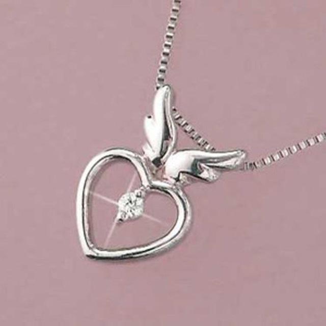 ダイヤモンド ネックレス 一粒 ハート 天使の羽 10金ホワイトゴールド ギフト 妻 彼女