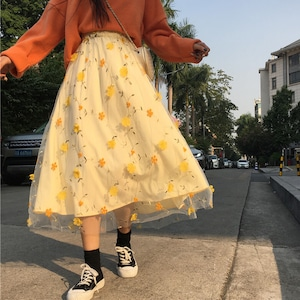 立体フラワーモチーフ・レーススカート