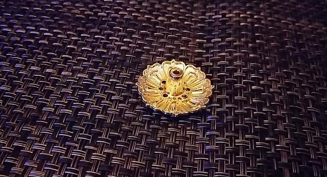 lotus  お香立て 金色