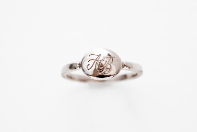 Hand Engraving CHARM -Silver charm - (手彫り)プラチナコート モノグラムジュエリー/カリグラフィー ジュエリー