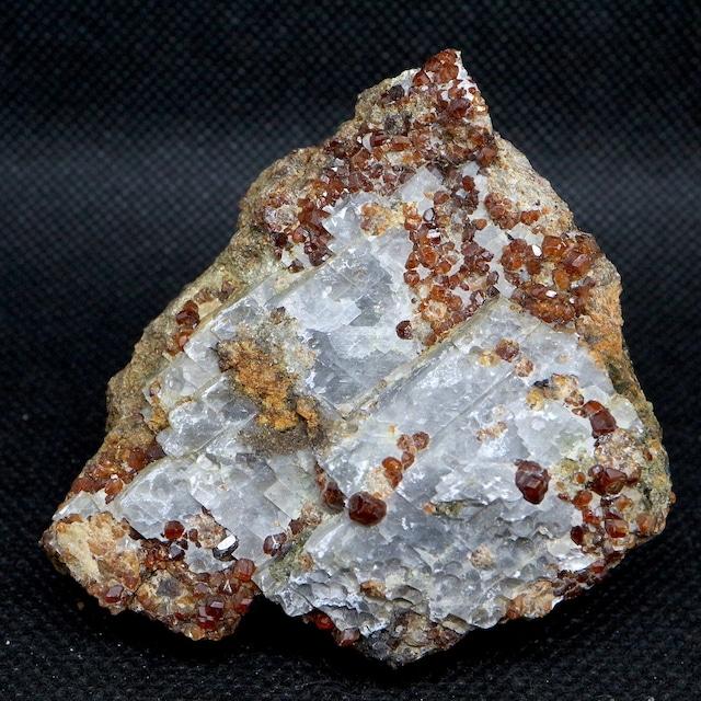 ※SALE※ グロッシュラー ガーネット + カルサイト 方解石 152,3g GN075 原石 鉱物 天然石 パワーストーン