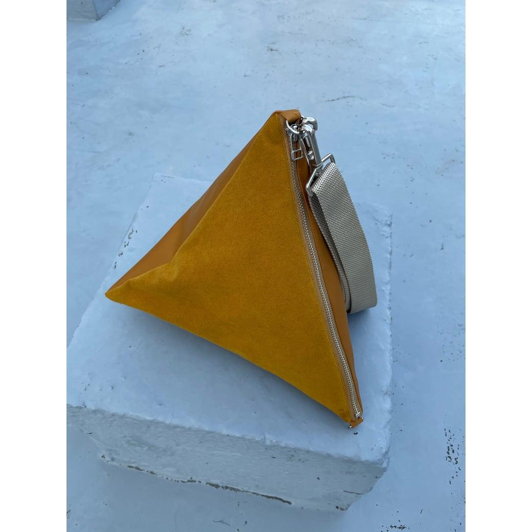 【sandglass】triangle bag(M)gold / 【サンドグラス】トライアングル バッグ(M)本体 ゴールド