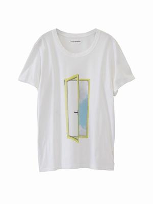 Graphic T-shirt  / Door Print / S15TS01