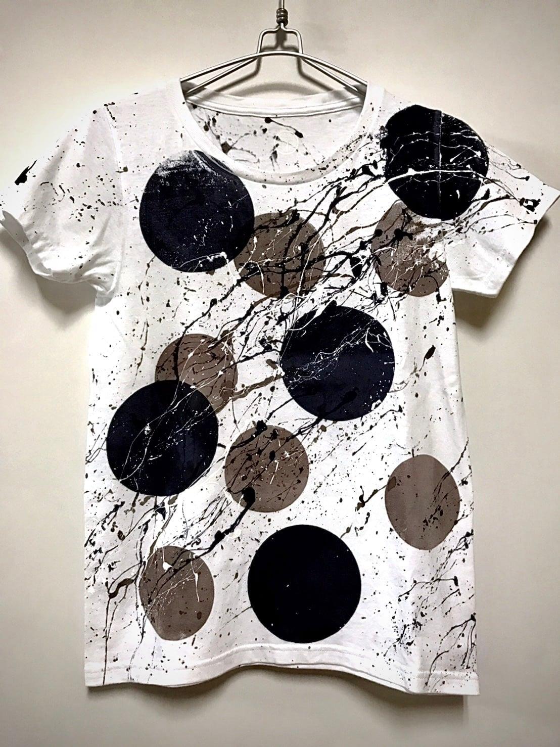 ランダムドットシブキTシャツ(白地×モノトーンモチーフ)