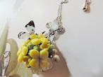 菜の花と紋白蝶のネックレス