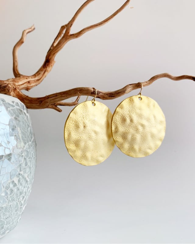 Gold circle plate pierced earrings /  on the beach     OBH-021