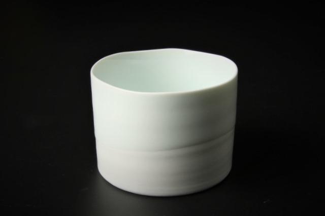 青白釉流し筒型カップ 波佐見焼