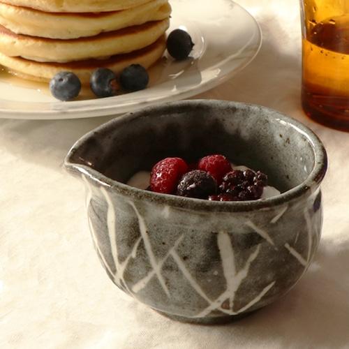 陶器 グレーの片口小鉢【MM-0012】