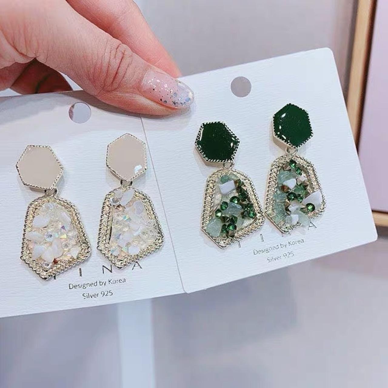 stone elegant earrings