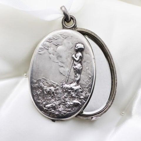 French Silver Locket Pendant   フレンチ シルバー ロケット ペンダント