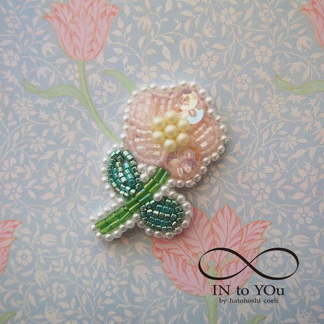 【10/25 21:00】ピンクのお花のブローチ