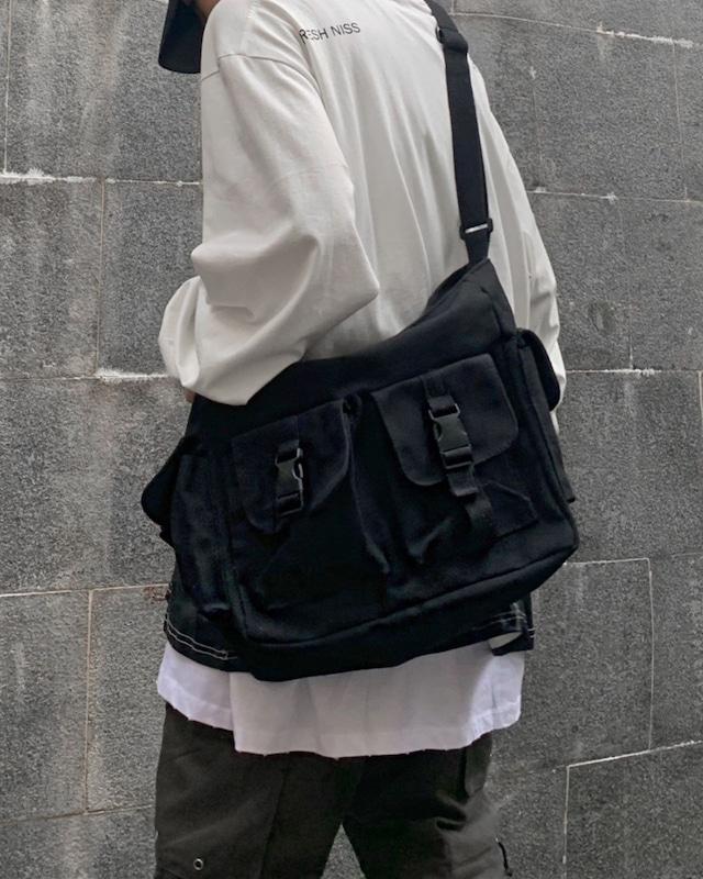ポケットメッセンジャーバッグ