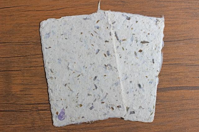 <エコロジー>ほんのり色づいた茄子皮入手すき和紙ポストカード(2枚セット)