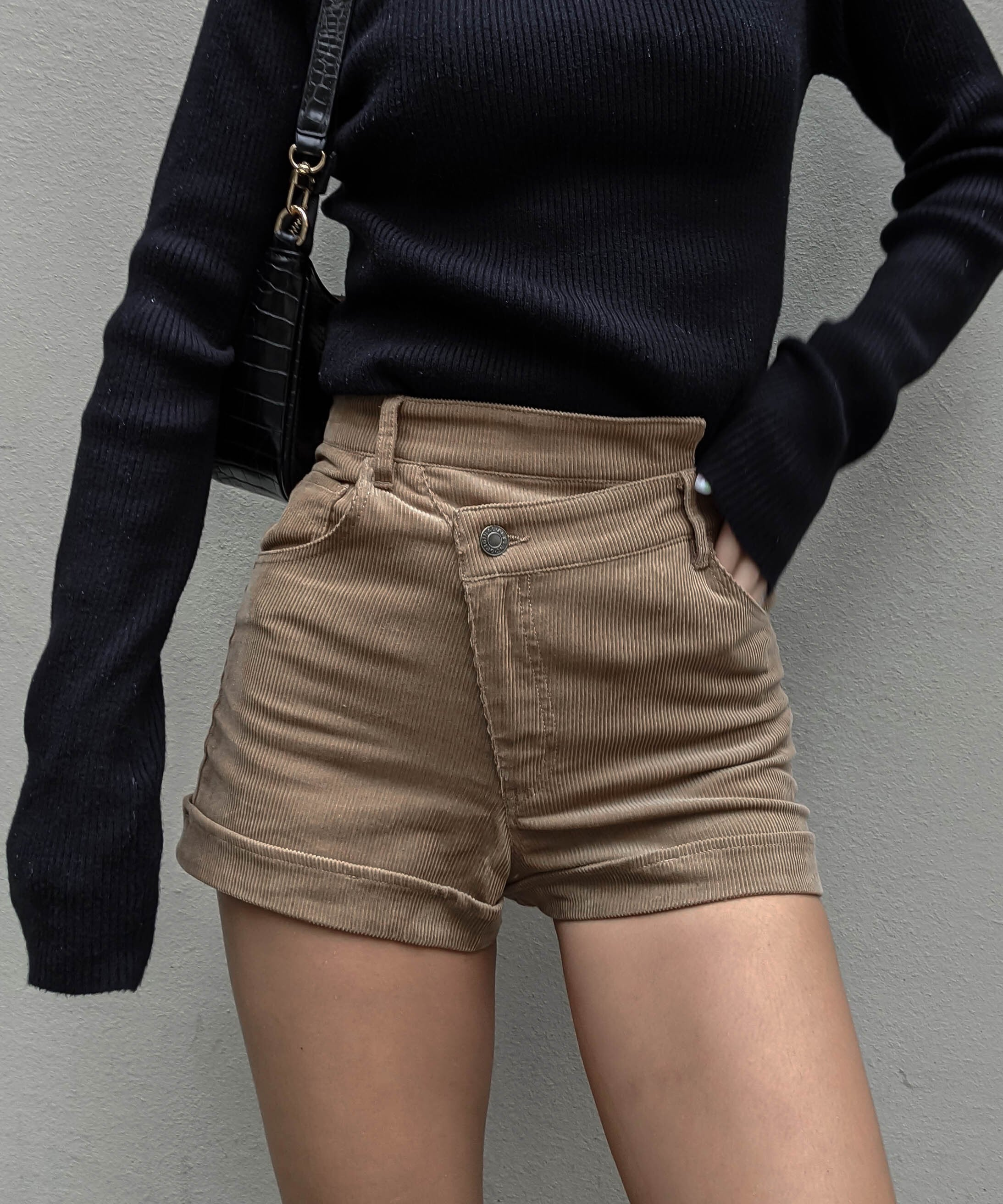 Cross design corduroy short pants
