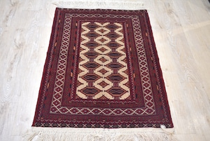 114×80 ♯1200-0805 手ざわりの良いアフガニスタンメイド絨毯です。